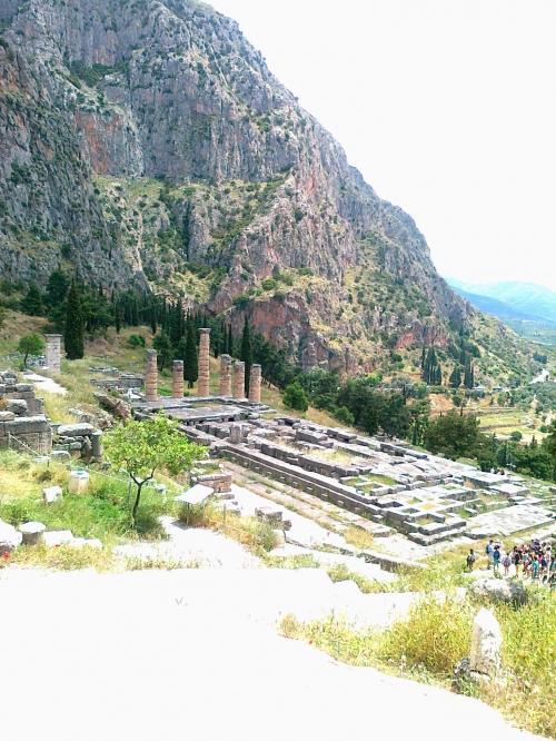 Kuva Delfoin temppelistä.